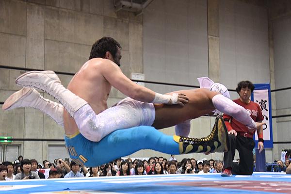 """NJPW: """"Best of the Super Jr. 26"""" Días 5 y 6 Dragon Lee y Bandido suman 12"""