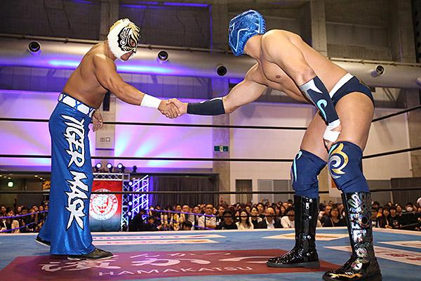 "NJPW: ""Best of the Super Jr. 26"" Día 13 Shingo Takagi 1er finalista 3"