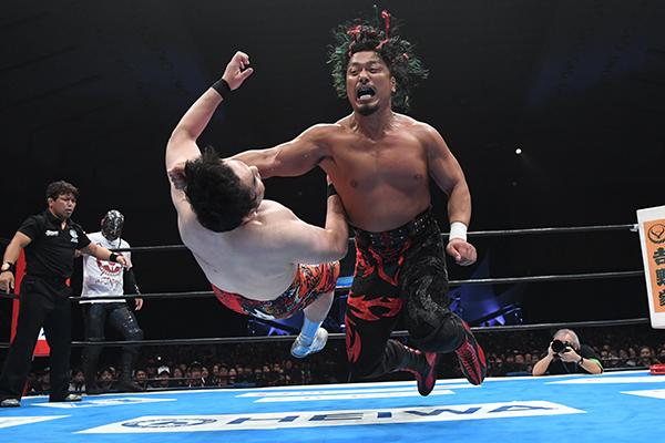 """NJPW: """"G1 Climax 29"""" Día 4 Taichi usa guante metálico sobre Naito 2"""