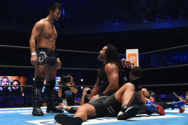 KENTA se une al Bullet Club y traiciona a Katsuyori Shibata 3