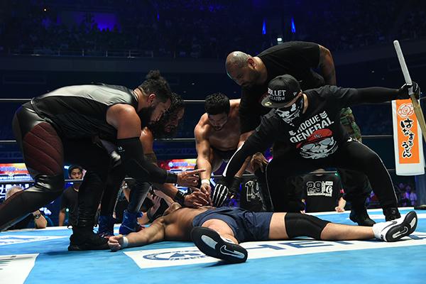 KENTA se une al Bullet Club y traiciona a Katsuyori Shibata 5