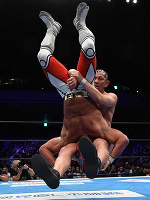 "NJPW: ""King of Pro Wrestling 2019"" Okada e Ibushi retienen 3"