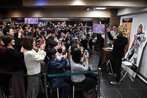 新 日本 プロレス ワールド カフェ